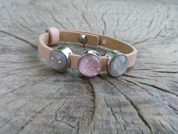 "Moederdag armband 2: "" Roze bloemetjes """
